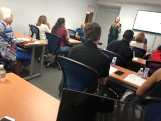 jacquelyn marks teaching an seo workshop for small business owners at SCORE palm beach